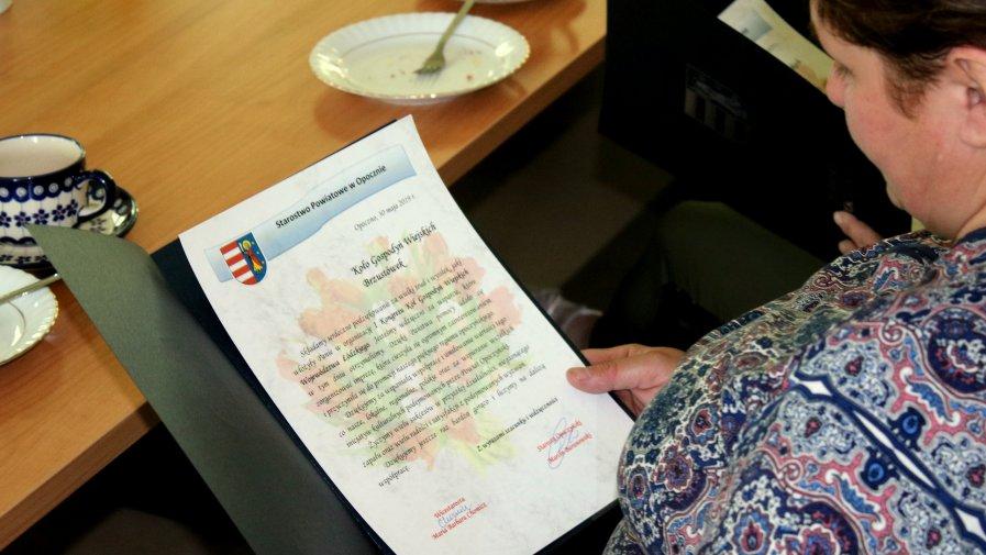 Dziś w Starostwie Powiatowym w Opocznie pamiątkowymi dyplomami uhonorowane zostały Koła Gospodyń Wiejskich z naszego powiatu, które współorganizowały niedawny I Kongres Kół Gospodyń Wiejskich Województwa Łódzkiego.