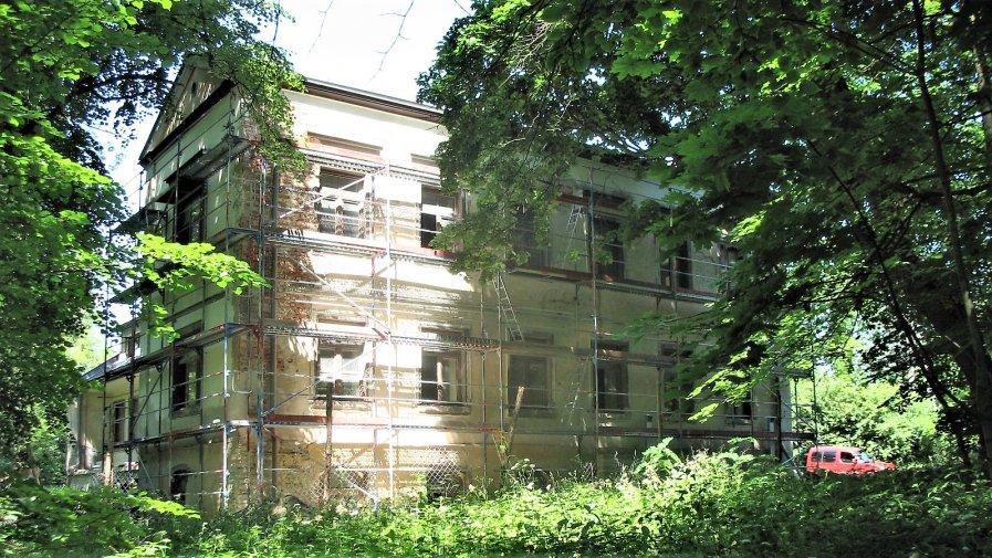 """Przebudowa istniejącego budynku oświatowego w miejscowości Mroczków Gościnny """"Dwór"""""""