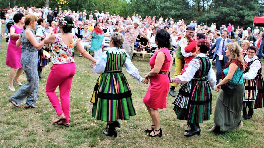 Opocznianie byli największą i najlepiej zorganizowaną grupą na tegorocznych Żniwach Łowickich i ku radości wszystkich, zdominowali imprezę.