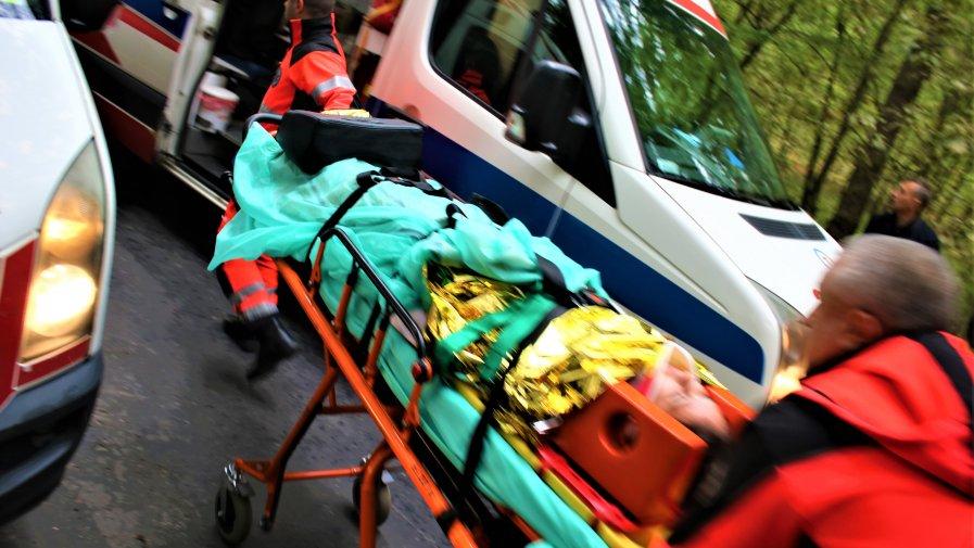 We wtorek wszystkie służby w powiecie opoczyńskim zostały postawione w stan gotowości. Na drogi wyjechało kilkanaście zastępów OSP i PSP, Policji Powiatowej, Krajowego Ratownictwa Medycznego. Doszło do skomasowania tragicznych wypadków.