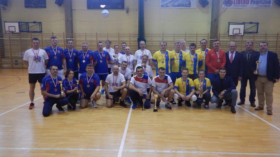W miniony piątek, 22 listopada, w hali sportowej w Pajęcznie odbyła się jubileuszowa XX edycja Spartakiady Samorządowców, w której udział wzięli przedstawiciele powiatu opoczyńskiego.