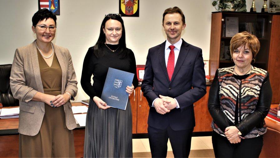 Zarząd Powiatu Opoczyńskiego pował nową p.o Dyrektora Powiatowego Centrum Pomocy Rodziny.Od początku grudnia jest nią Pani Katarzyna Szymczyk.