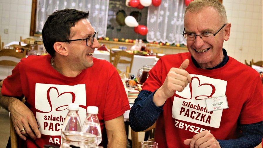 W Opocznie w tym roku Wolontariusze i Darczyńcy zorganizowali razem wsparcie po raz siódmy. Siódemka dla Opoczyńskiej Szlachetnej Paczki jest szczęśliwa- udało się bowiem odmienić życie aż 38 rodzin, i to tuż przed samami świętami.