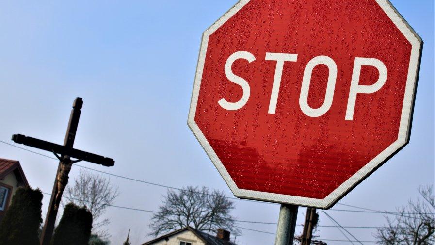 Trasa pomiędzy Opocznem a Inowłodzem jest popularna. Najbardziej neuralgicznym jej etapem jest skrzyżowanie w Bukowcu. W ubiegłych latach doszło tam do 3 wypadków.