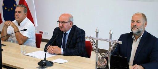XVIII Sesja Rady Powiatu Opoczyńskiego zaplanowana na dzień 26 marca 2020 r. o godz. 13:00 odbędzie się wyłącznie z udziałem Radnych Rady Powiatu Opoczyńskiego.
