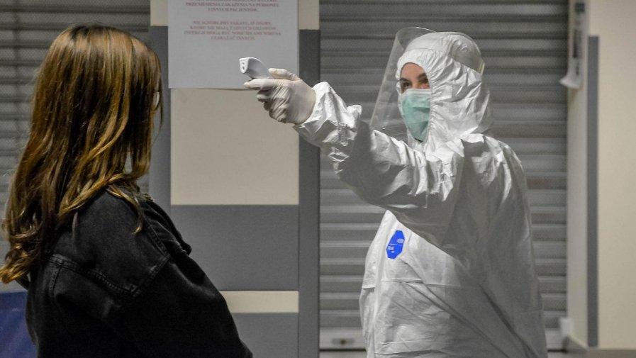Początek kwietnia rozpoczął się od dostosowania się mieszkańców powiatu opoczyńskiego do wprowadzanych Rządowych ograniczeń za których złamanie groziło nawet 30 tys. zł.