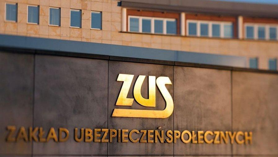 Ruszyła infolinia ZUS dotycząca Polskiego Bonu Turystycznego
