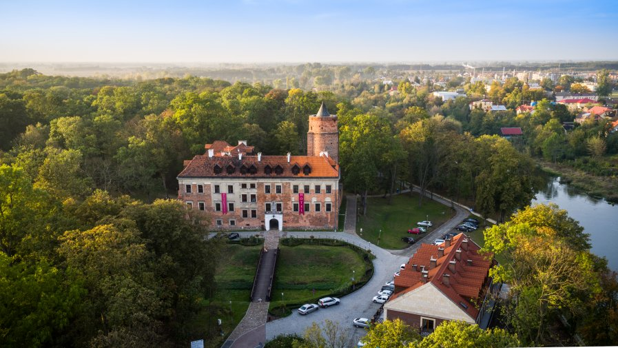 Dożynki Wojewódzkie 2020 odbędą się w niedzielę 20 września w Uniejowie. Nie zabraknie muzycznych gwiazd. Nasze KGW staną do wielkiego konkursu !