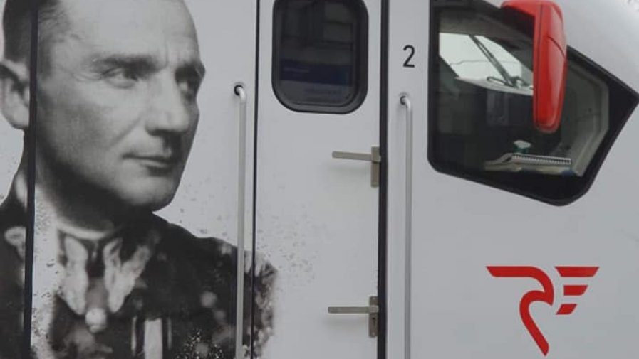 Za nami uroczystości nadania imienia pociągowi relacji Łódź-Tomaszów-Opoczno na cześć mjr. Henryka Hubala Dobrzańskiego.