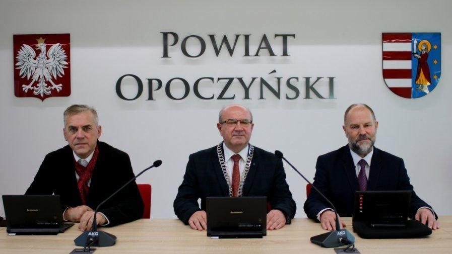 XXV Sesja Rady Powiatu Opoczyńskiego VI kadencji odbędzie się w dniu 27 października 2020 r. (wtorek) o godzinie 12.00. Sesja będzie prowadzona w trybie zdalnym.