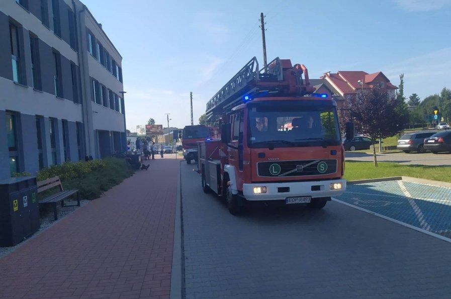 Udana Ewakuacja Pracowników i Interesantów Starostwa Powiatowego. To nie były ćwiczenia!!!
